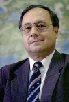 Dr. Rolf Sauerzapf
